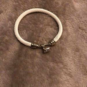 Jewelry - White bracelet hook clasp
